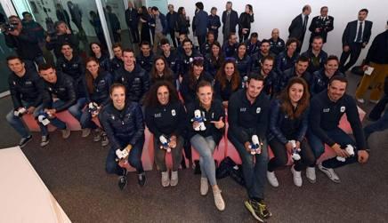 La squadra azzurra proiettata su PyeongChang: in prima fila da sinistra Kostner, Brignone, Moelgg, Paris, Goggia e Fill