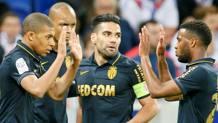 L'esultanza dei giocatori del Monaco per la vittoria sul Lione. Reuters