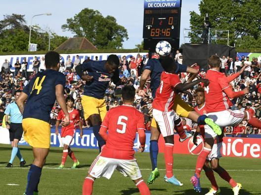 Il gol del pareggio del Salisburgo, firmato dallo zambiano Patson. Epa