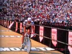 Giro 1984: Francesco Moser al traguardo della cronometro finale all'Arena di Verona. Omega