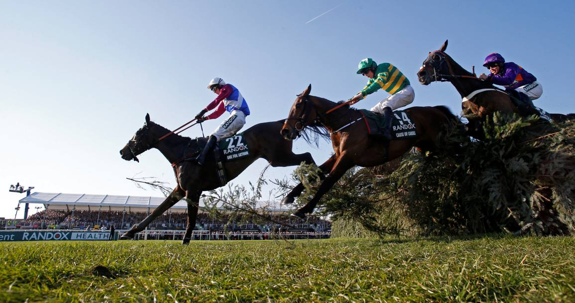 Il Grand National Festival all'ippodromo di Aintree, Liverpool, Inghilterra (Reuters)