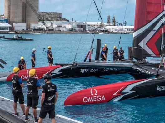 Team New Zealand è l'ultima barca arrivata a Bermuda