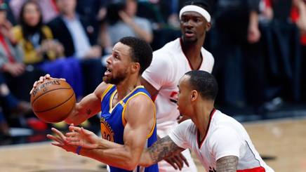 Steph Curry imprendibile per Portland. Afp