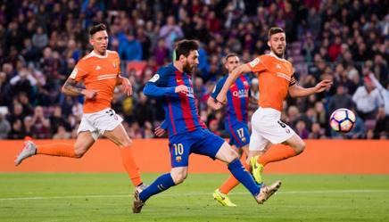 Lionel Messi segna l'1-0 all'Osasuna. Getty Images