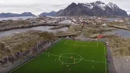 Lo stadio delle Isole Lofoten