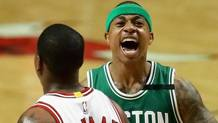 A destra, Isaiah Jamar Thomas, 28 anni, playmaker dei Boston Celtics. Afp