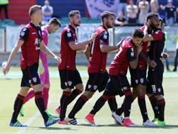 I festeggiamenti del Cagliari per il gol di Joao Pedro. Getty Images