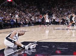 Tony Parker infortunato contro Houston. Ansa