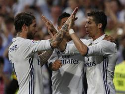 Ronaldo festeggia con Ramos. Ap
