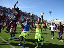 La festa del Crotone dopo il successo con l'Udinese. LaPresse