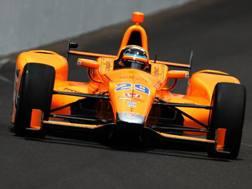 Fernando Alonso impegnato a Indianapolis per le qualifiche della 500 Miglia. Reuters