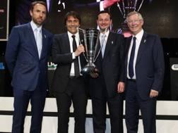 Antonio Conte con Alex Ferguson e il c.t. inglese Gareth Southgate. Reuters