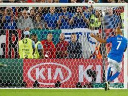 Il rigore sbagliato da Simone Zaza nei quarti di finale di Euro 2016 contro la Germania. LaPresse