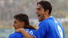 Da sinistra, Roberto Baggio, 50 anni, e Luca Toni, 39, ai tempi del Brescia. Ap