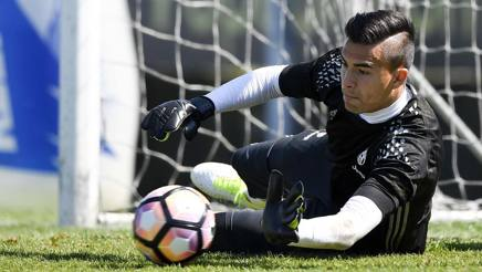 Emil Audero, 19 anni, terzo portiere della Juventus: domani esordirà in serie A. LaPresse
