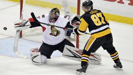 Una fase della finale di Eastern Conference tra Pittsburgh e Ottawa REUTERS