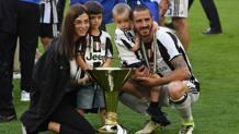 Leonardo Bonucci, 30 anni, difensore della Juventus, con la famiglia. Getty Images
