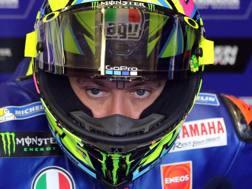 Valentino Rossi pronto a rimettersi il casco al Mugello. Epa