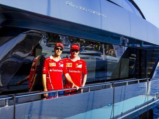 Vettel e Raikkonen sul Riva 100' Corsaro
