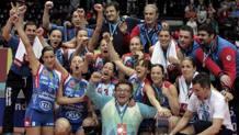 La Foppapedretti festeggia la vittoria in Champions nel 2007. Epa