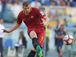 Edin Dzeko, attaccante della Roma. Getty