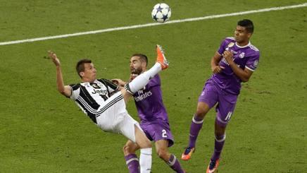 Il gol di Mario mandzukic nella finale contro il Real Madrid. Epa