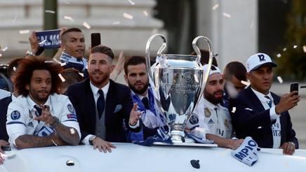 La Champions in mostra nella parata madridista. Afp