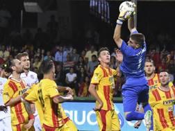 Alessio Cragno, 22 anni, eletto miglior portiere della serie B con il Benevento. Lapresse