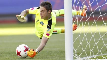 Alessandro Plizzari, 17 anni, portiere del Milan. Epa