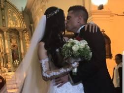 La foto del bacio postata dalla moglie di Iturbe su Instagram