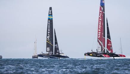Una immagine della finale fra Team New Zeland (dx) e Artemis (sx)
