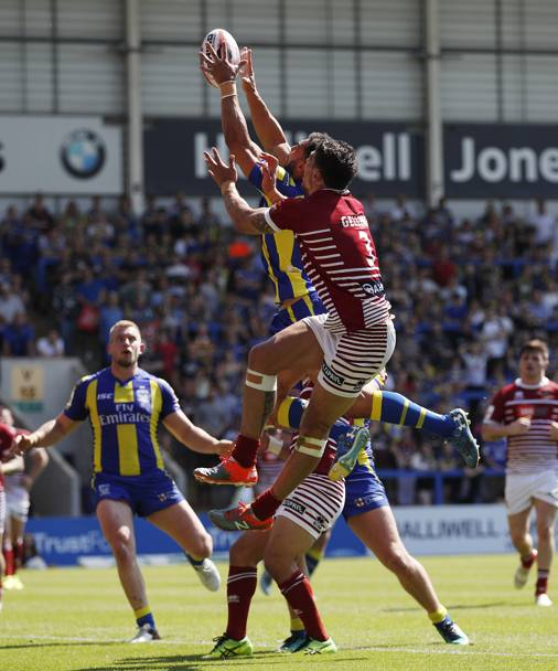 Rugby league di Gran Bretagna, Warrington Wolves contro Wigan Warriors (Action Images)