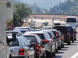 I costi dell'auto tra le voci di spesa più importanti delle famiglie. Ansa