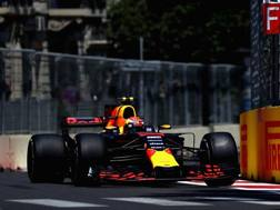 Max Verstappen in azione a Baku. Getty