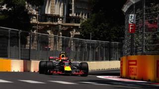 Max Verstappen in azione a Baku. Getty