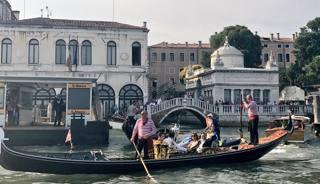Venezia abbraccia la Reyer: festa in gondola per il tricolore