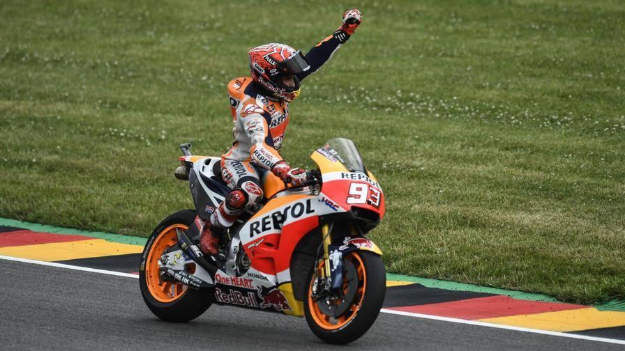 Germania, tiranno Marquez Folger e Pedrosa sul podio Viñales (4°) precede Rossi