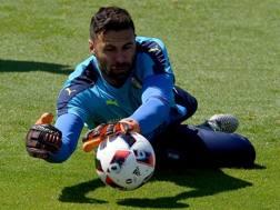 Salvatore Sirigu con la maglia della Nazionale, nel giugno del 2016. Getty Images