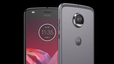 Il Moto Z2 Play che segna il ritorno di Motorola nel mercato degli smartphone