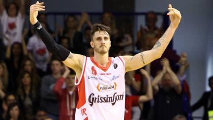 Achille Polonara, 25 anni, con la maglia di Reggio Emilia indossata nel 2016-17. LaPresse