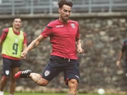 Luca Cigarini in allenamento con la maglia del Cagliari.