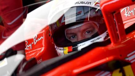 Sebastian Vettel dietro allo Shield. Afp
