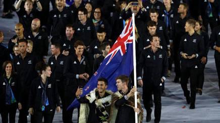Burling e Tuke (sx) portabandiera della Nuova Zelanda a Rio