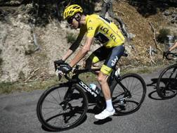 Chris Froome in maglia gialla. Afp