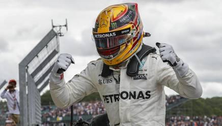 Lewis Hamilton, quinta vittoria  a Silverstone. Epa