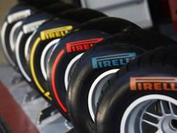 Treni di gomme Pirelli per la Formula1. LaPresse