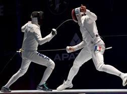 A sinistra, Andrea Santarelli, 24 anni, argento a Rio 2016 nella spada a squadre
