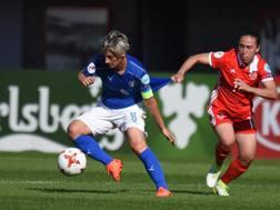 Melania Gabbiadini in azione all'Europeo contro la Russia.