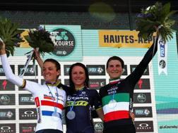 Il podio de La Course, da sinistra: Lizzie Deignan, Annemiek Van Vleuten ed Elisa Longo Borghini. Getty