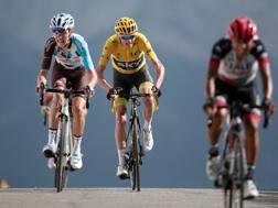 Bardet sprinta con Froome per il terzo posto. Reuters